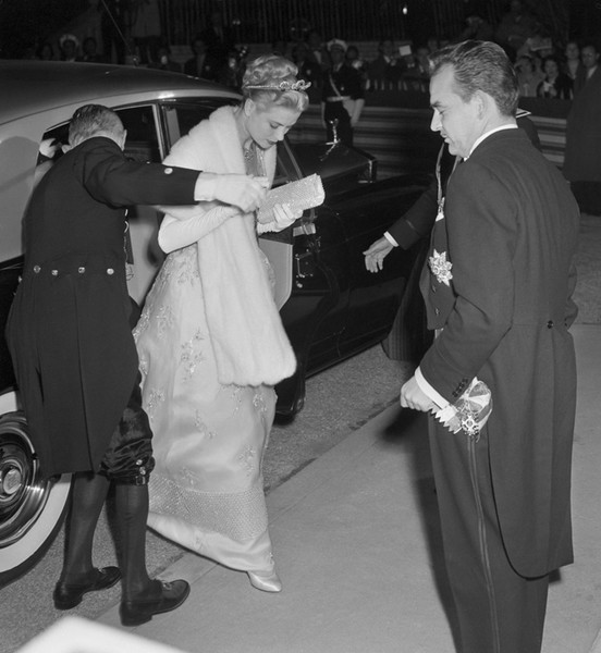 Фото №18 - 8 неожиданных фактов о свадьбе Грейс Келли и князя Ренье