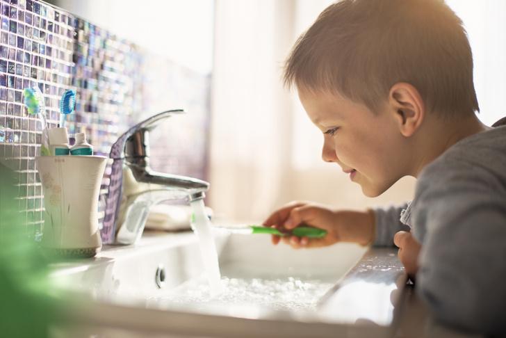 Фото №2 - Серебрение и еще 6 процедур, которые нельзя делать с детскими зубами