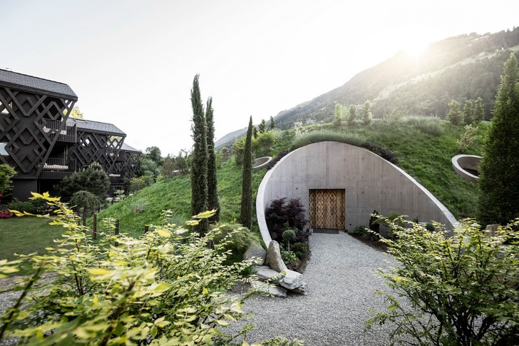 Фото №7 - Отель в горах по проекту студии Noa