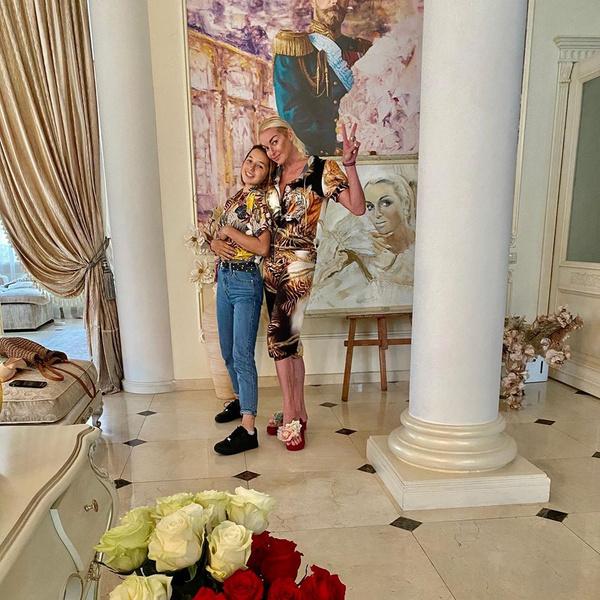 Фото №3 - Повзрослевшая дочь Волочковой вернулась к матери