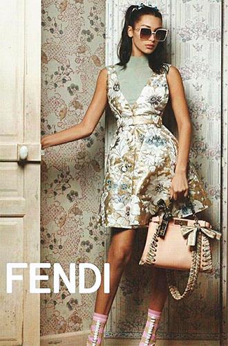 Фото №2 - Белла Хадид в объективе Карла Лагерфельда для Fendi SS17