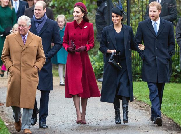 Фото №6 - Почему принцы Уильям и Чарльз не хотят переезжать в Букингемский дворец в будущем