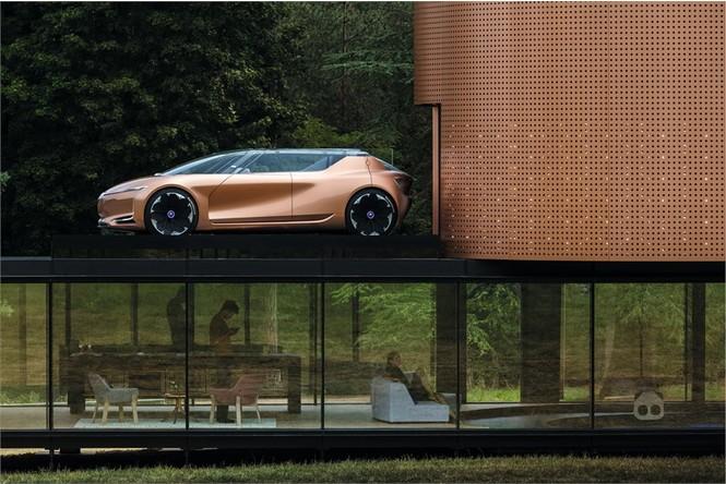 Фото №8 - Renault делает автомобиль будущего частью умного дома