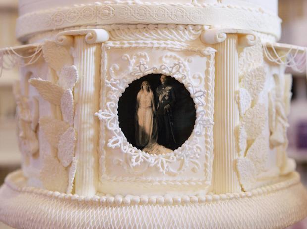 Фото №5 - Сладко: свадебные торты на королевских свадьбах