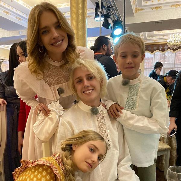Фото №7 - Дроздова, Будина и другие звезды, которые бросили карьеру ради детей