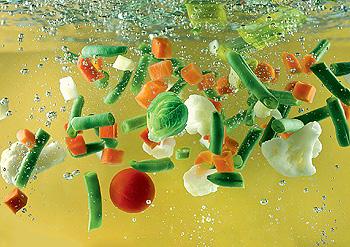 Фото №1 - Все ли витамины, содержащиеся в продуктах, разрушаются при варке?