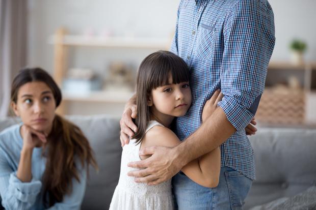 Фото №1 - Родители дочек разводятся чаще, чем родители сыновей, и вот почему