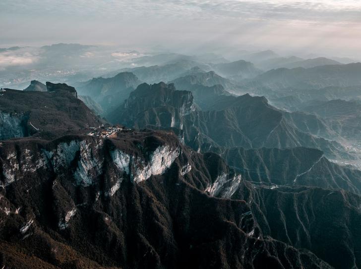 Фото №1 - 10 самых впечатляющих горных пейзажей мира