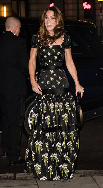 Фото №5 - Герцогиня Кэтрин, принцесса Беатрис, Виктория Бекхэм и другие звезды на гала-вечере в Лондоне