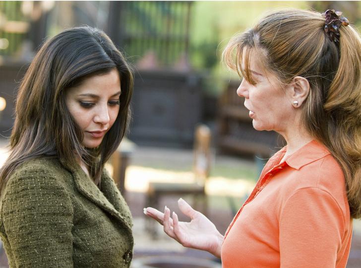 Фото №4 - Токсичные родители: как строить общение (и стоит ли прекращать его совсем)