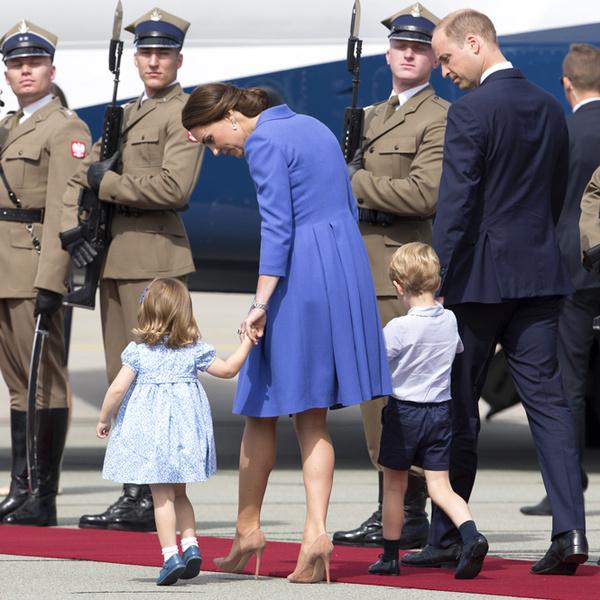 Фото №2 - Мама, ну идем же: принцессе Шарлотте не терпелось покинуть Польшу