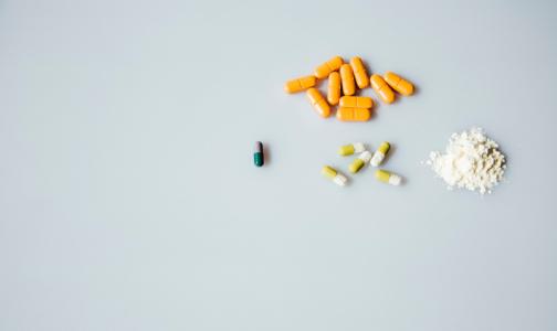 Фото №1 - Минздрав не согласен с ВОЗ - не отменяет гидроксихлорохин для лечении пациентов с COVID-19