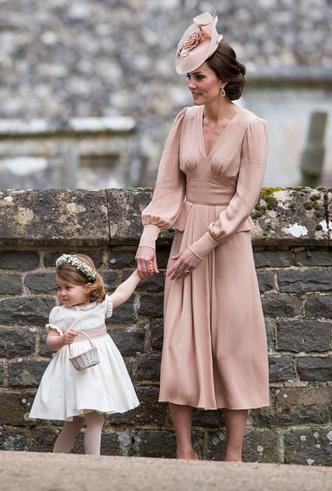 Фото №30 - Гардероб на миллион: самые дорогие наряды герцогини Кейт