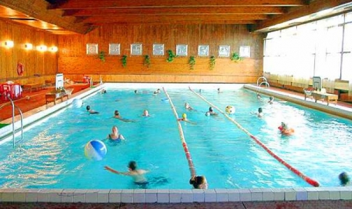 Фото №1 - В бассейн - без справки