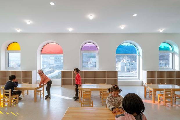 Фото №3 - Детский сад в форме торта, который может менять цвета: фото