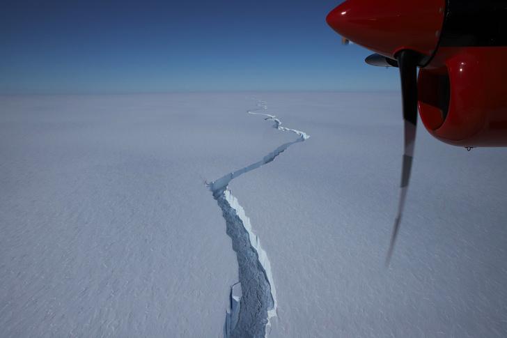 Фото №1 - От антарктического ледника откололся айсберг размером с Рим
