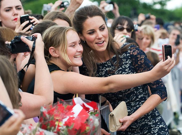 Фото №16 - Из простолюдинок в аристократки: как Кейт Миддлтон изменилась за 10 лет рядом с Королевой