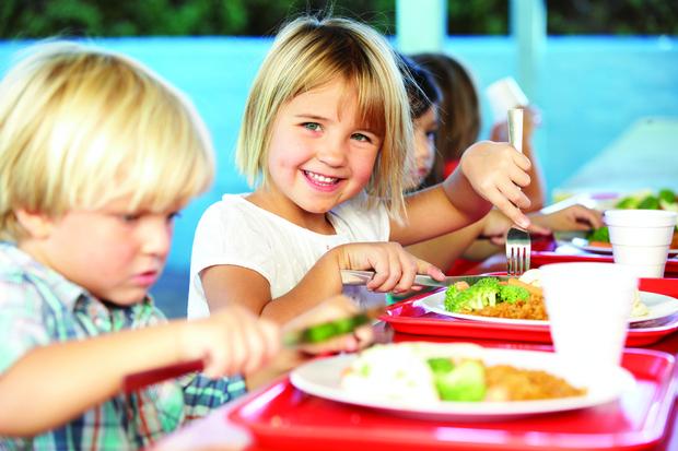 Фото №1 - Названы блюда, которых не должно быть в школьных столовых