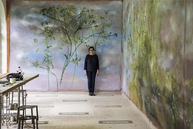 Фото №1 - Стена почета: кому заказать художественную роспись стен