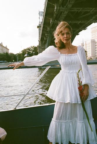 Фото №7 - Для дома и на выход: 10 платьев, которые пригодятся вам на карантине и после