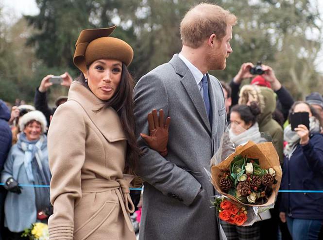 Фото №2 - Непристойная Меган: роялисты подписывают петицию против невесты принца Гарри