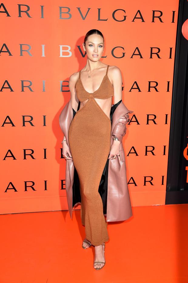 Фото №1 - Одно «голое» платье, которое есть в гардеробе всех супермоделей
