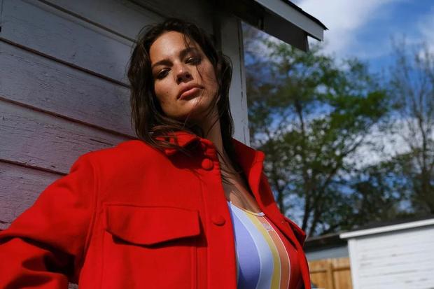 Фото №1 - Эшли Грэм: «Я понимаю, что мы, женщины,— супергерои»