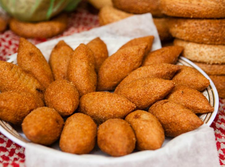 Фото №1 - Фалафель, фатуш и кебаб: три блюда для кошерного обеда