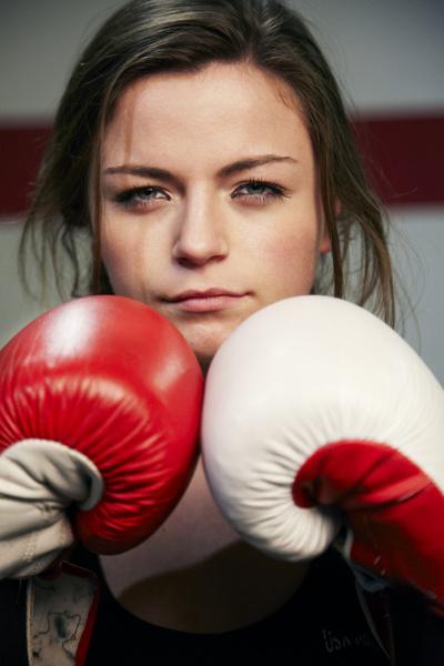 Фото №2 - Мужской взгляд: Почему мы боимся сильных девушек?