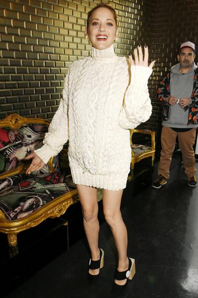 Фото №16 - Рита Ора и другие звезды, которые забыли надеть юбку