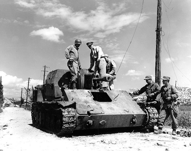 После окончания Второй мировой боевой путь СУ-76 не закончился. Некоторые «сушки» успели повоевать и против американцев в корейской войне