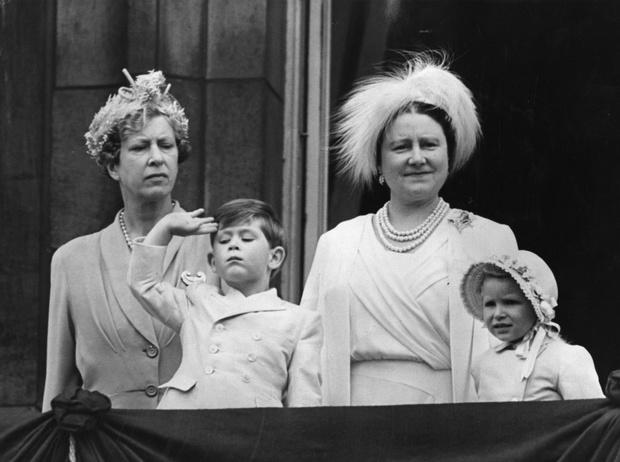 Фото №5 - Две королевы: удивительные отношения Елизаветы Боуз-Лайон и Марии Текской