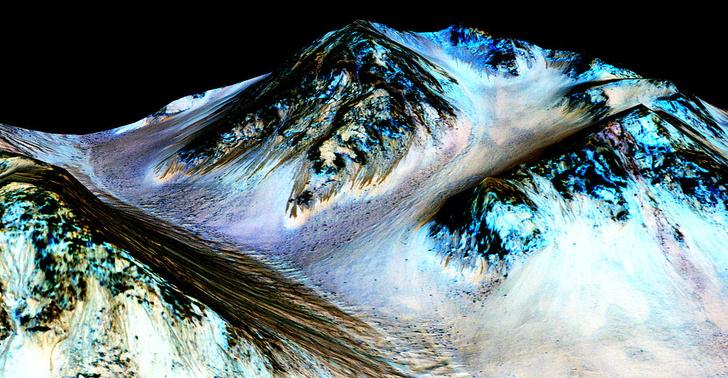 Фото №1 - На Марсе обнаружено озеро с водой