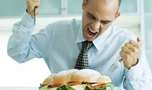 Фото №1 - Минздрав ограничит рекламу чипсов и газировки
