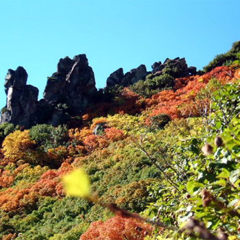 Курорт Соунке в Дайсецудзанском национальном парке невероятно красив в осеннюю пору.