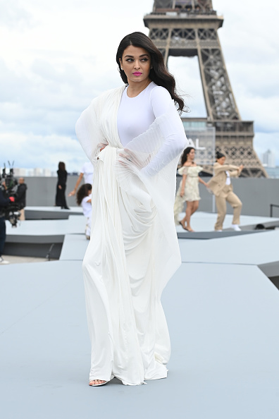 Фото №2 - Как сейчас выглядит индийская суперзвезда Айшвария Рай?