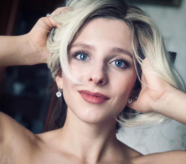 Фото №4 - Дерзкая девчонка: Лиза Арзамасова выложила видео в секси-образе