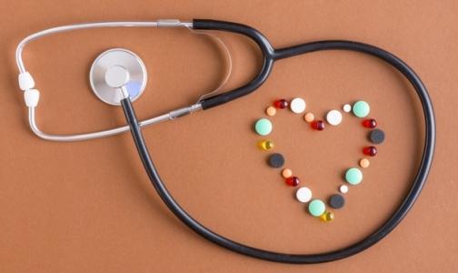Фото №1 - Петербуржцев после инфарктов и операций на сердце будут год лечить бесплатными лекарствами