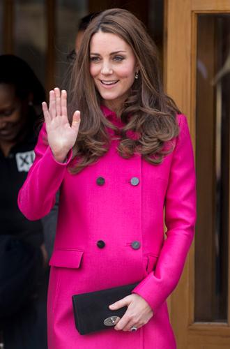 Фото №24 - Королевский дресс-код: любимые сумки герцогини Кембриджской