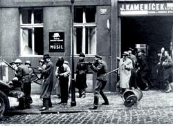 Фото №5 - В центре нацистской паутины