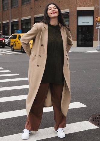 Фото №11 - Осенний гардероб для девушек plus size: 8 вещей на любой случай