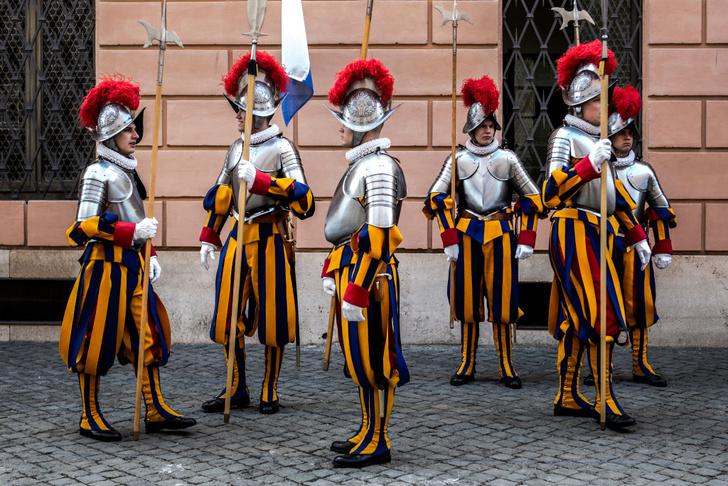 Фото №3 - Часть мундира: необычная парадная военная форма разных стран мира