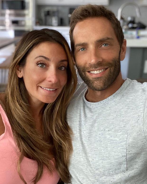 Фото №3 - Как выглядят родители самых красивых близняшек в мире