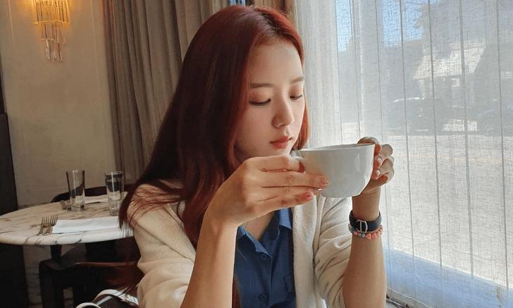 Фото №6 - 7 k-pop айдолов, которые не могут жить без кофе ☕