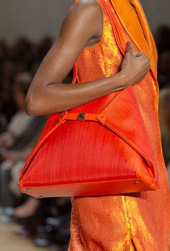 Фото №22 - Самые модные сумки весны и лета 2020