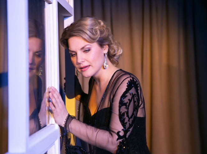 Фото №5 - Театральная постановка в нетрадиционном формате: иммерсивный спектакль «Дом 19 07. НАЧАЛО»