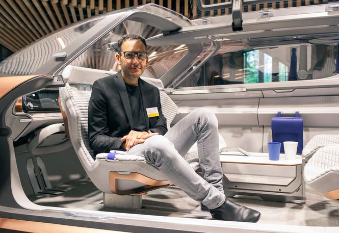 Фото №5 - Renault делает автомобиль будущего частью умного дома