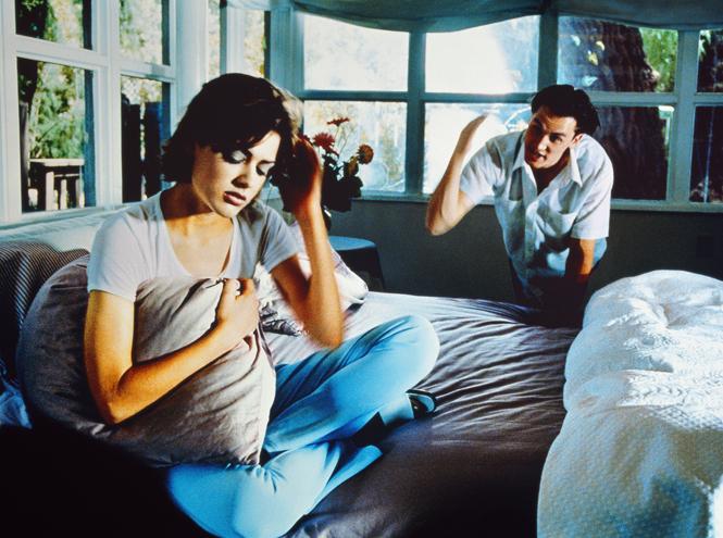 Фото №3 - Он тиран: 5 признаков того, что ваш мужчина вас «ломает»