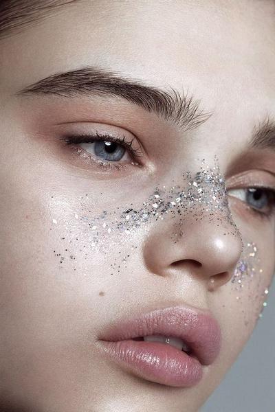 Фото №5 - Let's sparkle: 5 крутых мейк-апов с глиттером