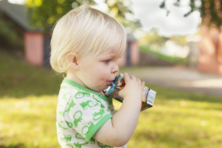 Фото №1 - Первый сок для малыша: что о нем обязательно нужно знать маме